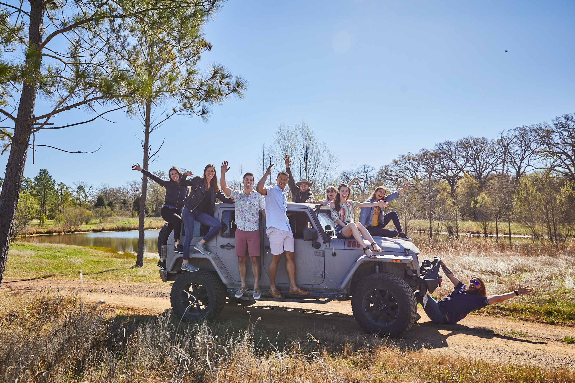 NEX_CAMPING_JEEP_GROUP_174